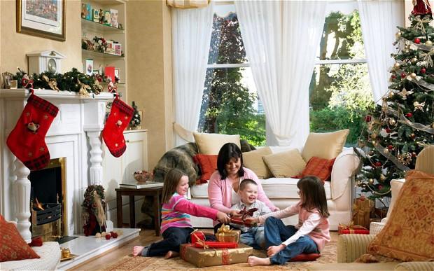 family-christmas_2406794b