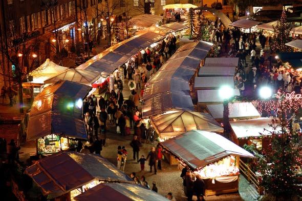 mercatino di Natale in piazza Fiera a Trento