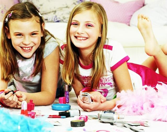 children_makeup_Medium-e1296235794390