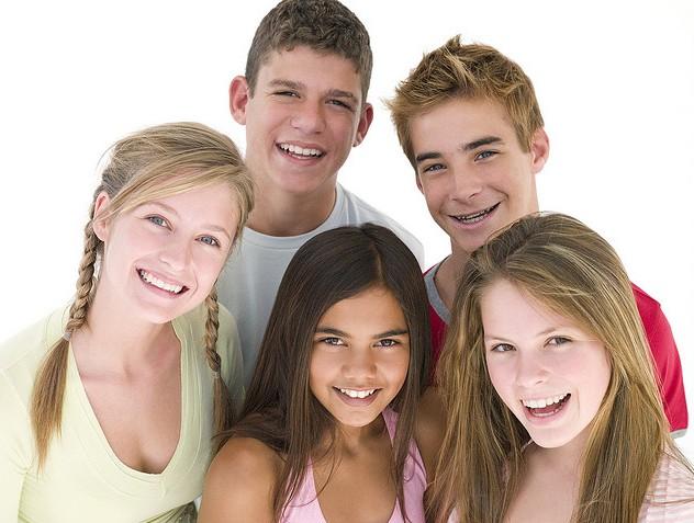 Smiling_teens