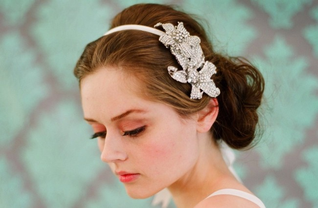 chic-bridal-headbands-unique-wedding-hair-accessories-3.original