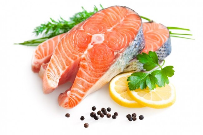 raw-salmon-with-lemon