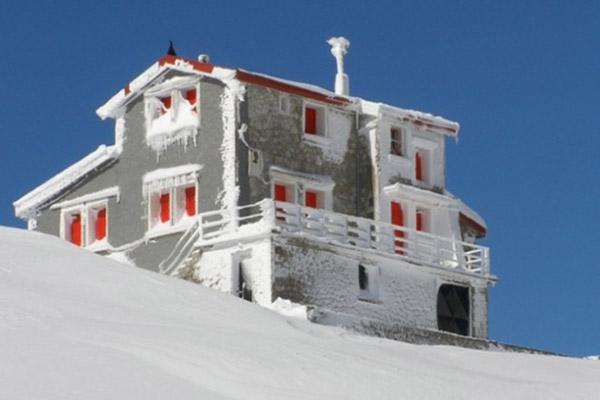 velouchi hut(1)