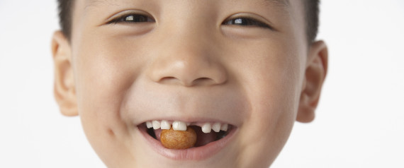 n-KID-EATING-NUTS-large570