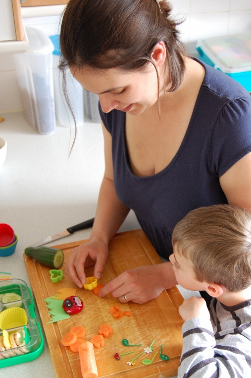 Grace-preparing-a-bento-lunch-for-Small-Child