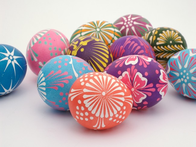 Polish Easter Eggs- Wycinanki Easter Eggs - Easter - Easter decor - holiday decorating - decor - easter bunny - easter egg - easter candy - food - crafts - lace painted eggs via pinterest