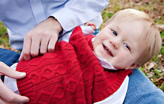 birmingham-al-family-photographer-catches-dad-tickling-toddler