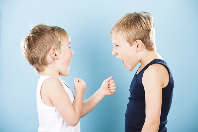 boys-fighting