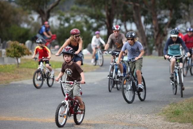 family-bike-group