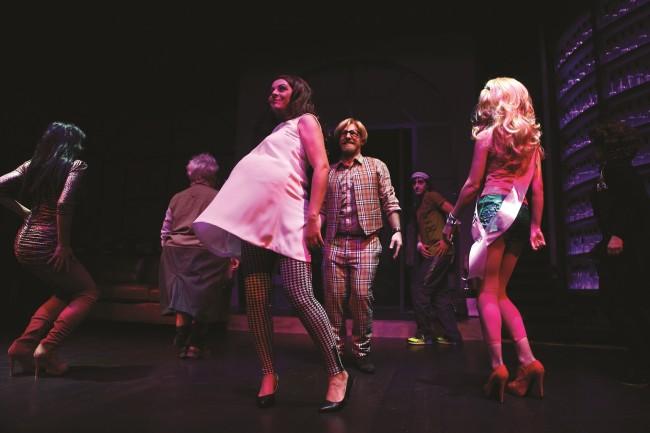«Το Κτέλ»: Η σπαρταριστή κωμωδία του Νίκου Μουτσινά και της Τζένης Διαγούπη κάνει στάση στο Radio  City (από 26/4)