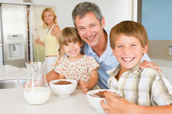 family-eating-cereal-for-breakfast