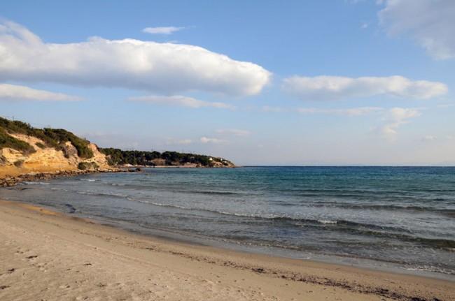 2steps_beach_agios_nikolaos_artemida_attica_007