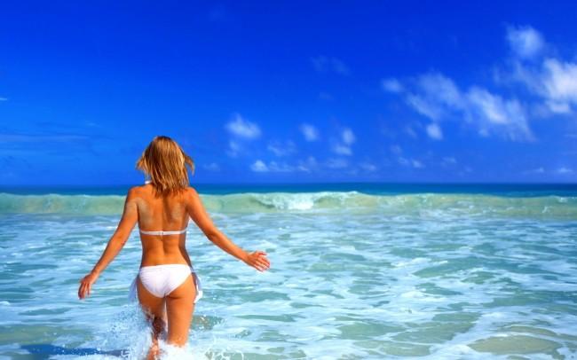 girl-in-the-sea