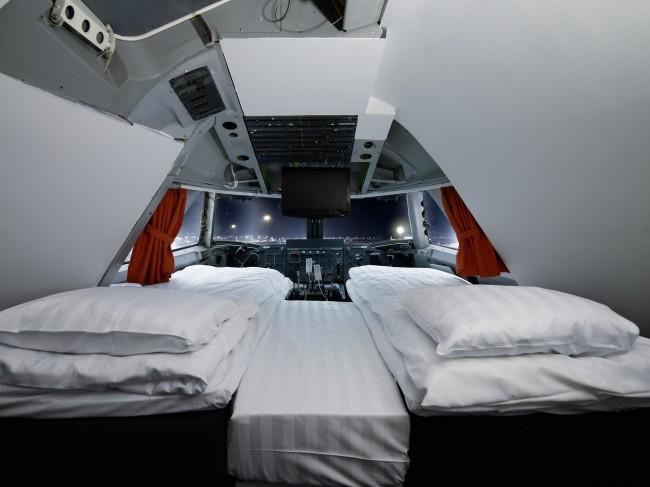 img42876-Double-room-cockpit-Jumbo-Stay-Hostel-Sweden
