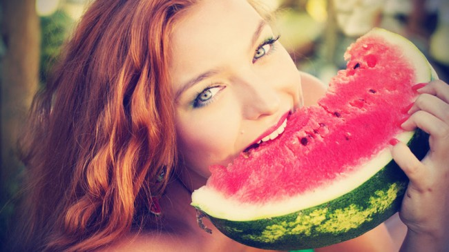 beautiful-woman-with-makeup-eating-watermelon