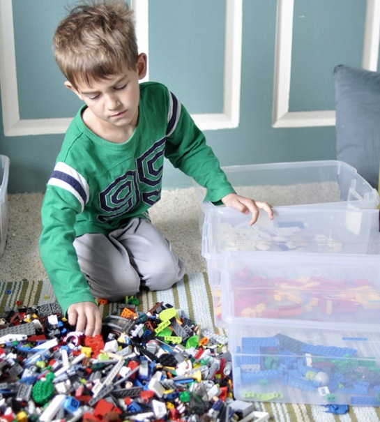 boy-and-legos (1)