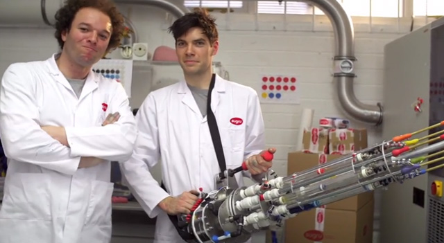 sugru-builds-the-coolest-water-pistol-ever2
