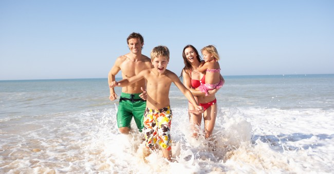 beach_sea_family_holiday