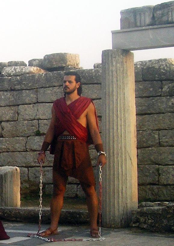 «Προμηθέας Δεσμώτης»: Η τραγωδία του Αισχύλου αναπαριστάται στους στύλους του Ολυμπίου Διός (27/9)