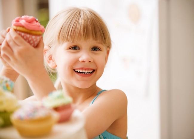 Ποια και πόσα γλυκά επιτρέπεται να δίνω στο παιδί μου;