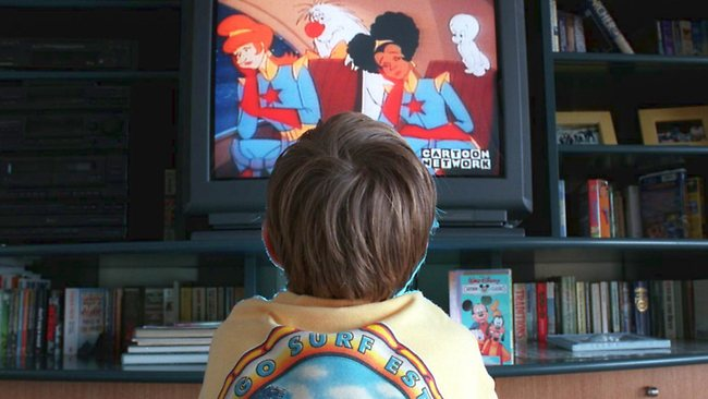 979471-child-watching-tv