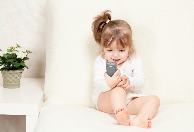 Οι εφαρμογές των smartphones, κάνουν καλό ή κακό στα παιδιά;