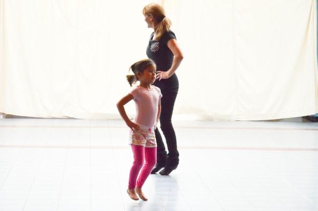 Γονείς και παιδιά χορεύουν μαζί στο Κέντρο Πολιτισμού Ίδρυμα Σταύρος Νιάρχος  (9/11)