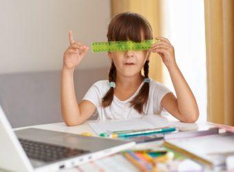 """""""Διάβασμα στο σπίτι"""": 12+1 φράσεις κλειδιά που πρέπει να λέμε στα παιδιά για να τα ενθαρρύνουμε"""