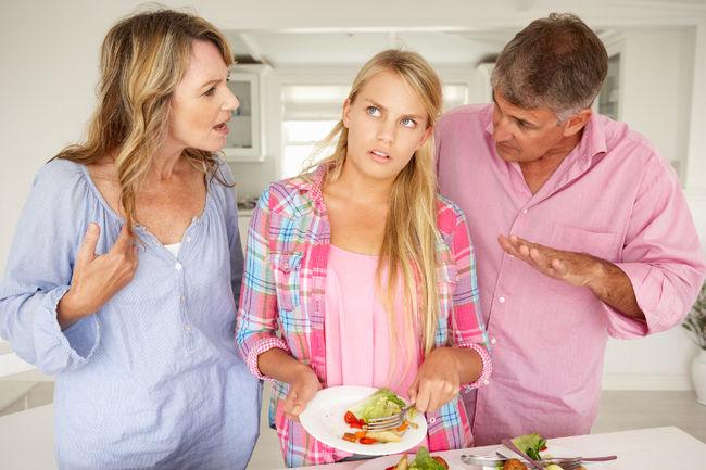 γονείς και παιδί τσακωμός