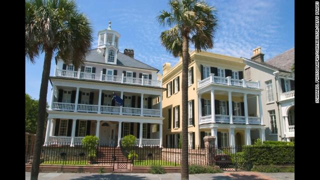 Antebellum houses on South Battery Street, Charleston, South Carolina
