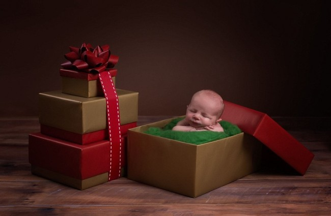23F7173F00000578-2869904-Karen_believes_that_the_adorable_photo_cards_make_a_personal_alt-a-22_1418307291292