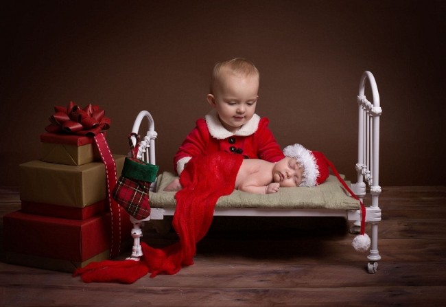 23F71A5F00000578-2869904-Festive_photos_At_this_time_of_year_new_parents_turn_Karen_s_sna-a-16_1418307291228
