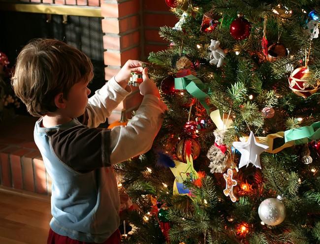 Aidan-Decorates-the-Tree-John-Morgan-on-Flickr-CC-BY-2