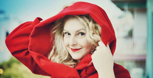 Η Μαριέττα Φαφούτη εμπνέεται από το κόκκινο και τραγουδά στο Gazarte (5/12)