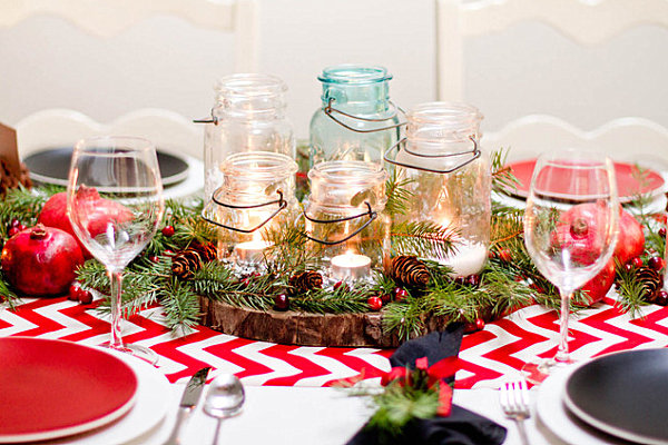 Red-and-white-Christmas-table-decor
