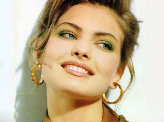 beautiful-woman-face-wallpaper-hd