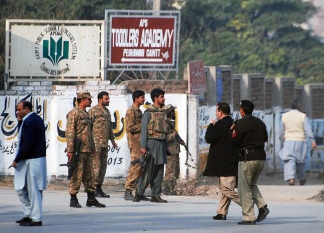 pakistan_army_taliban_hostage_school_reuters_161214