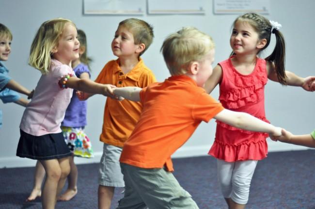 KI Kids Circle Dance