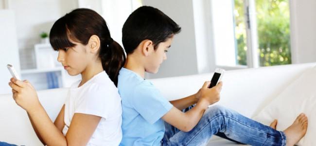 Τι πρέπει να κάνουν οι γονείς για να ελαχιστοποιήσουν το κίνδυνο της ανεξέλεγκτης χρήσης του κινητού από τα παιδιά