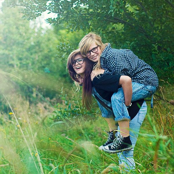 Teenagers-teenagers-8083874-600-600