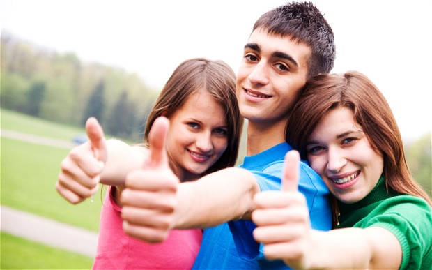 happy-teenagers_2403313b