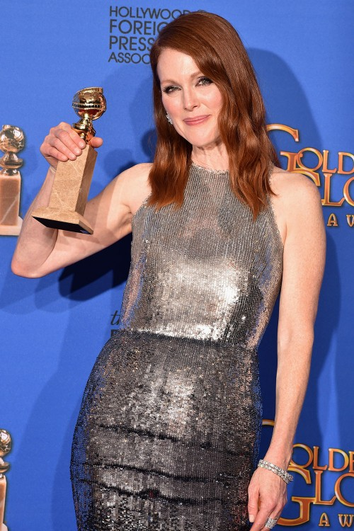julianne-moore-2_500_750_90