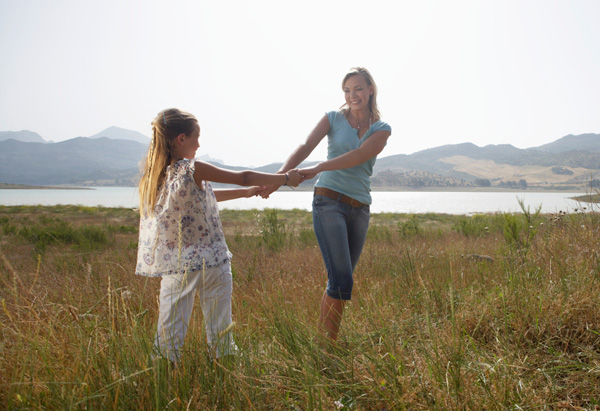 mother-and-daughter-outside-600x411