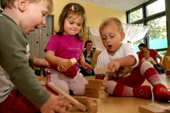 toddlers_blocks_580