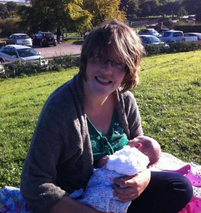 breastfeeding-tacey-moreton