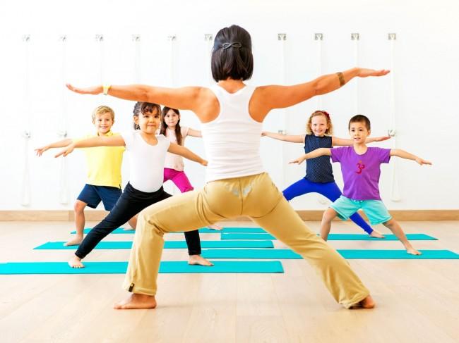 csue_bkg_kids_yoga_0