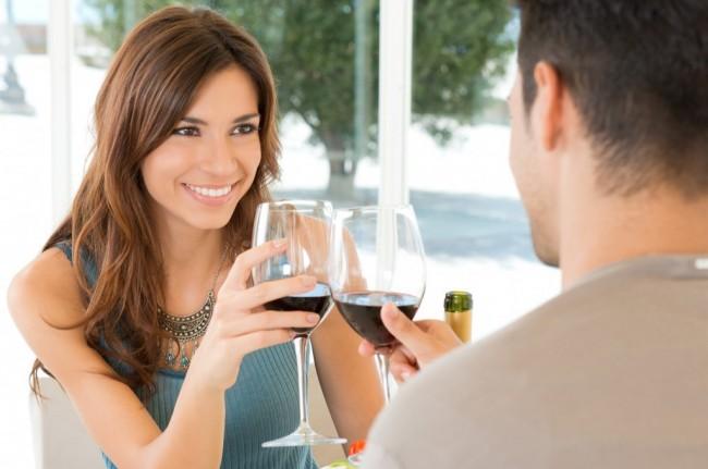 glaasje-wijn-1e-ontmoeting-1024x679