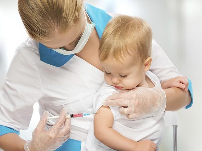 Εμβόλιο για τη μηνιγγίτιδα Β: Σώζει ζωές, αλλά δεν συνταγογραφείται
