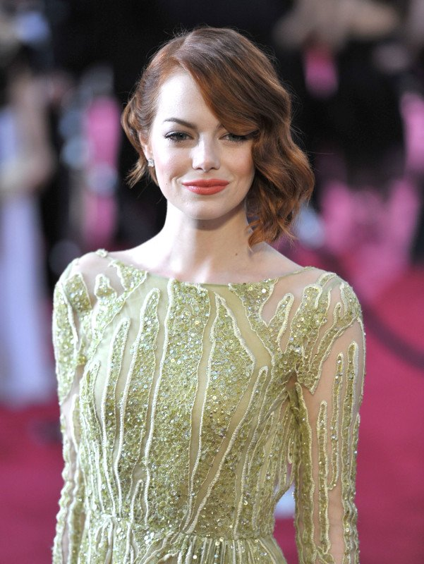 xemma-stone-at-the-2015-oscars.jpg.pagespeed.ic.XVksRQZE5OVcCBxkNS-L