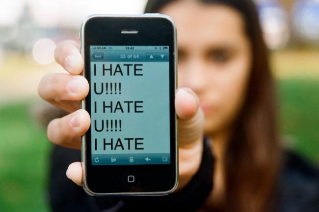 B7_cyber-bullying
